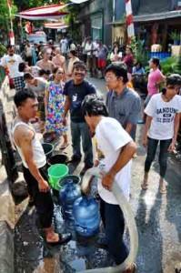 <!--:IN-->Air Bersih Mulai Langka di Cimahi<!--:-->