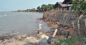 Abrasi Pesisir Pantai di Pantura Meluas