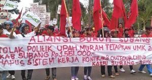 Buruh Tuntut Upah Bandung Raya Disamakan