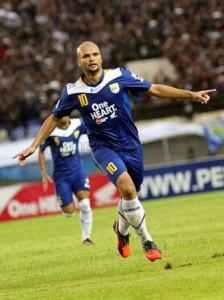 Persib Bandung vs Persita