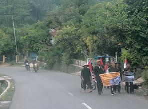 Warga Jatigede Jalan Kaki ke Istana Negara