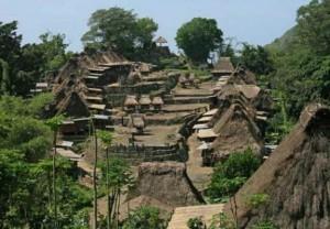 Keliling Kampung Adat untuk Teliti Filosofi Iket