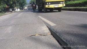 Segera Perbaiki Kerusakan Jalan Beton Bandung – Cirebon