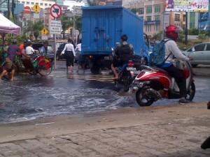 Warga Menilai Banjir di Mangga Dua Bukan dari Rob