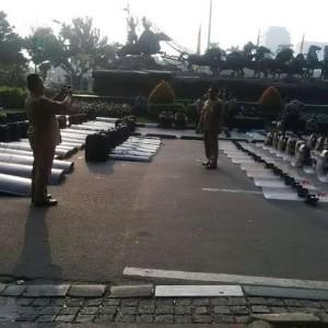 Alat Tempur Polisi Berderet Jaga Sidang di MK, Warga Jakarta Malah Ingin Selfie
