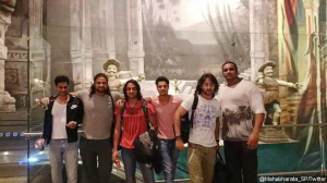 Shaheer Sheikh dan Bintang Mahabarata Lainnya Tiba di Indonesia