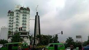 Walikota Bogor Janji Pangkas Hotel Amarossa