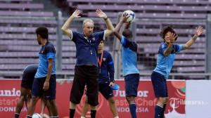 Piala AFF 2014: Riedl Yakin Fisik Pemainnya Meningkat Saat Lawan Filipina