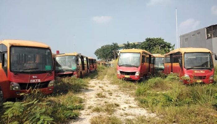 bus transjakarta di gudang dramaga